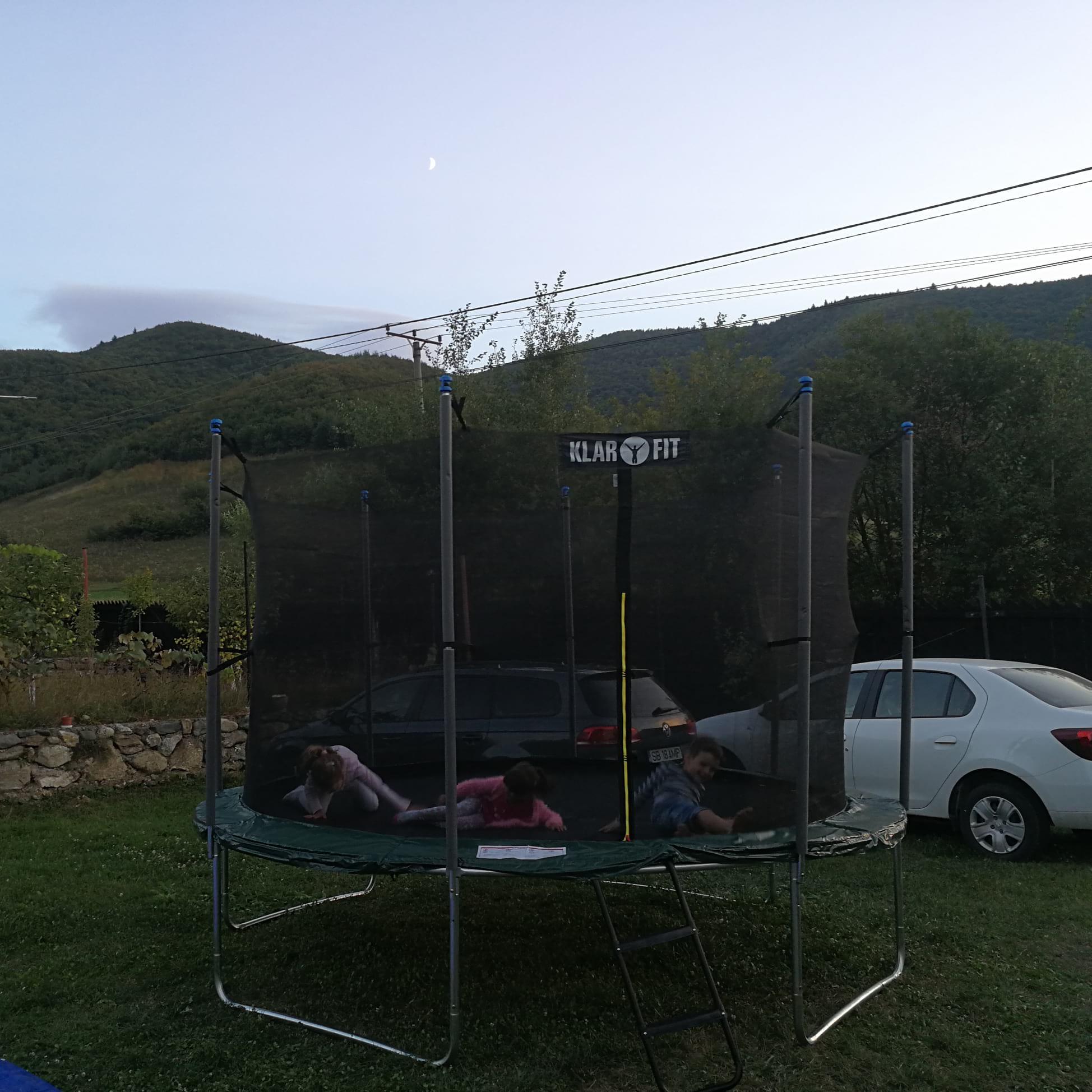 party-time-petreceri-copii-sibiu-gonflabila-trambulina-3