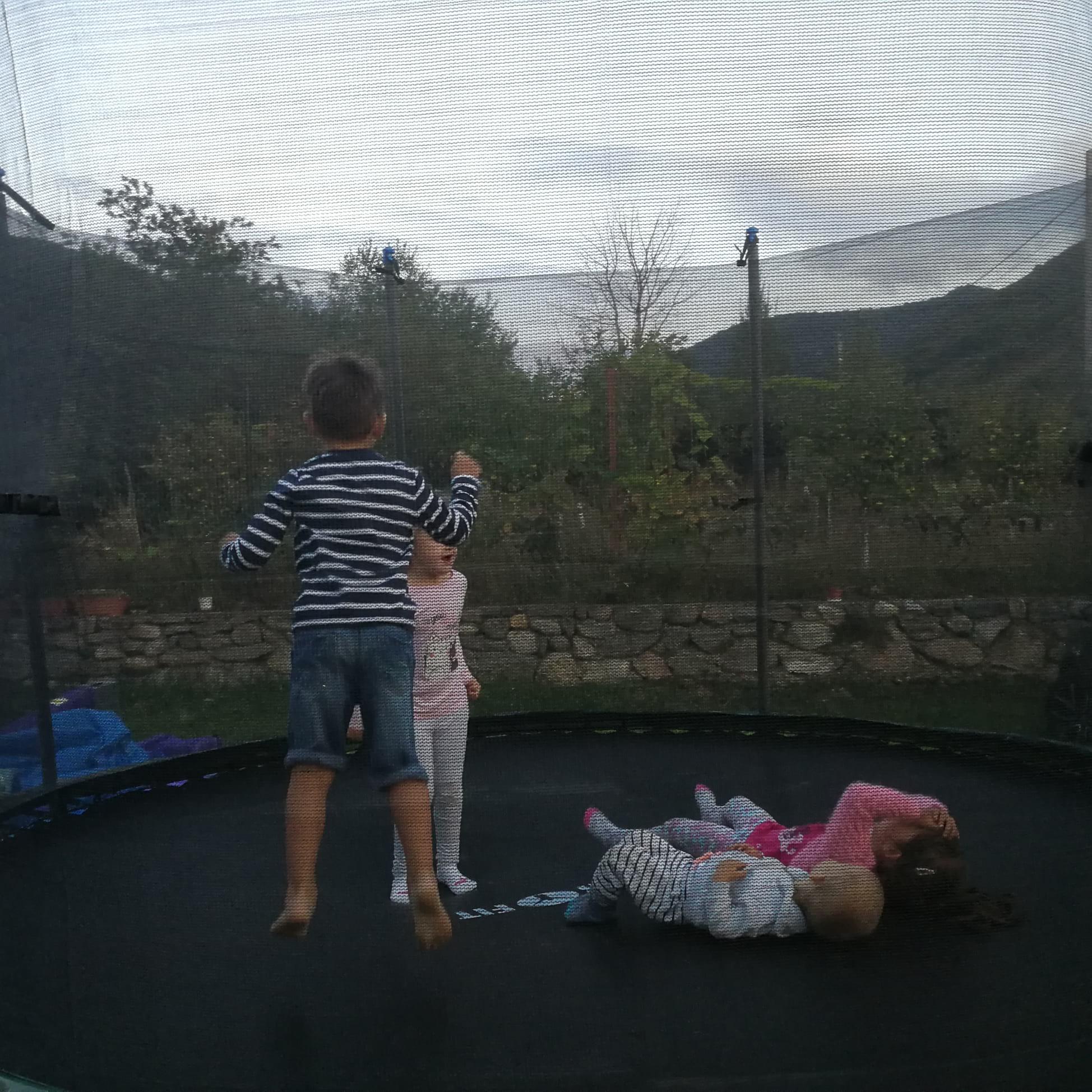 party-time-petreceri-copii-sibiu-gonflabila-trambulina-4